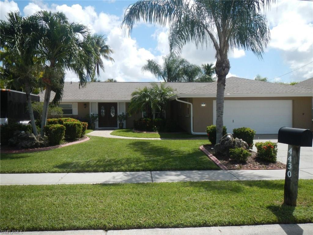 4430 N Bay Cir, North Fort Myers, FL 33903 (#216059144) :: Homes and Land Brokers, Inc