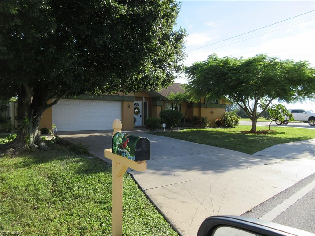 102 SE 11th Ter, Cape Coral, FL 33990 (MLS #216059343) :: The New Home Spot, Inc.