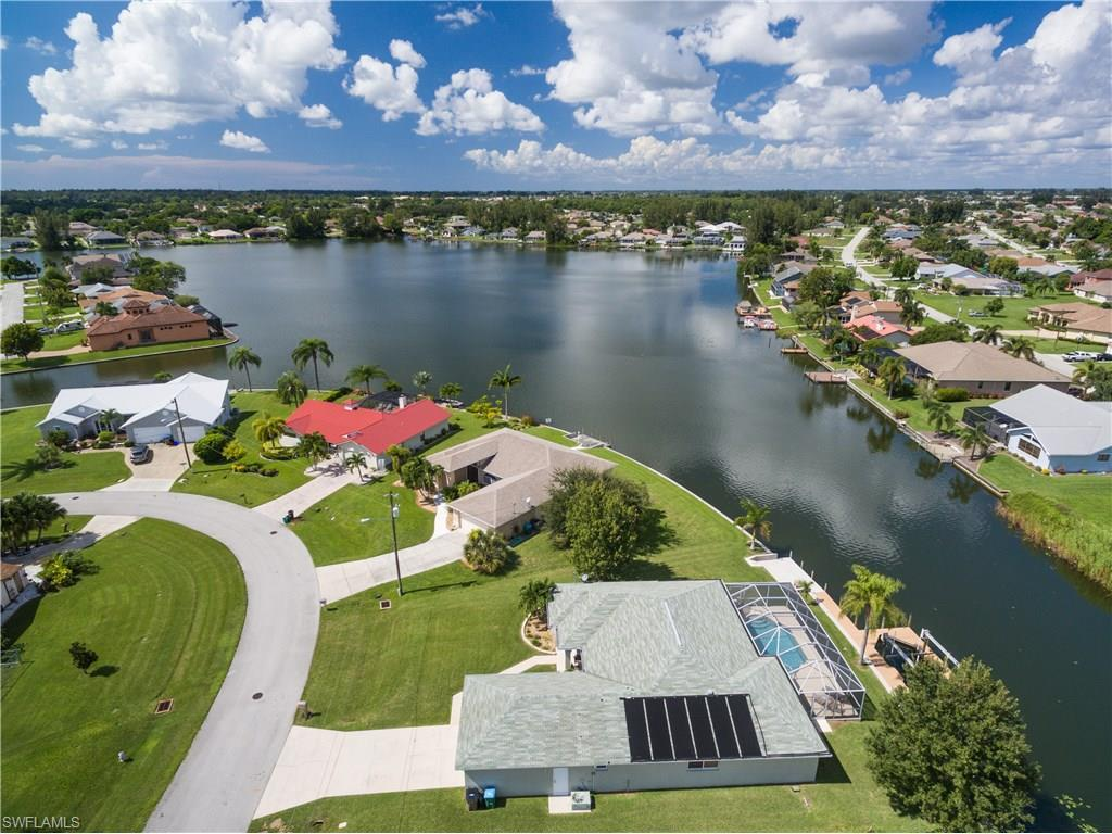311 SW 12th Ter, Cape Coral, FL 33991 (MLS #216059359) :: The New Home Spot, Inc.