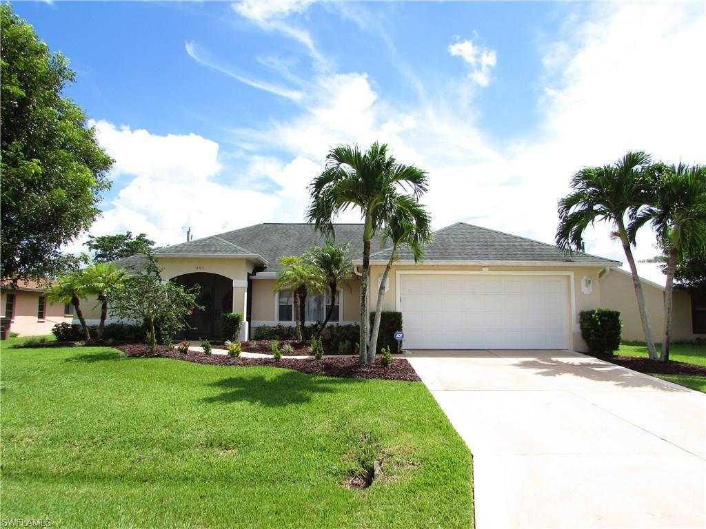 203 SE 14th Ct, Cape Coral, FL 33990 (#216059462) :: Homes and Land Brokers, Inc
