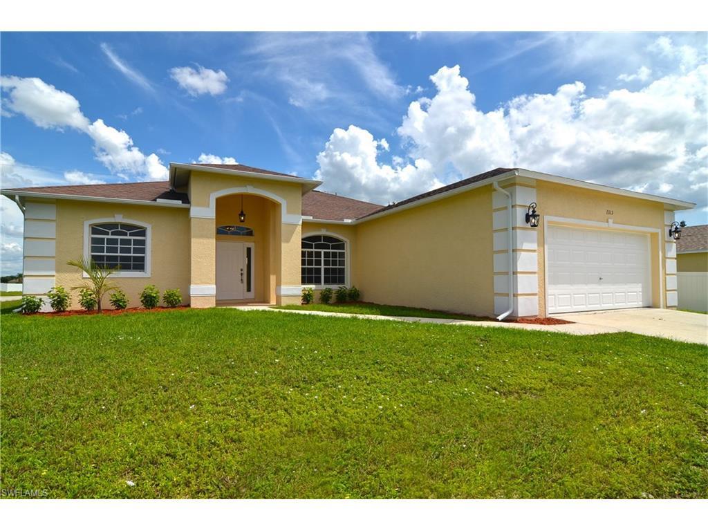 1313 NE 6th Pl, Cape Coral, FL 33909 (MLS #216059467) :: The New Home Spot, Inc.