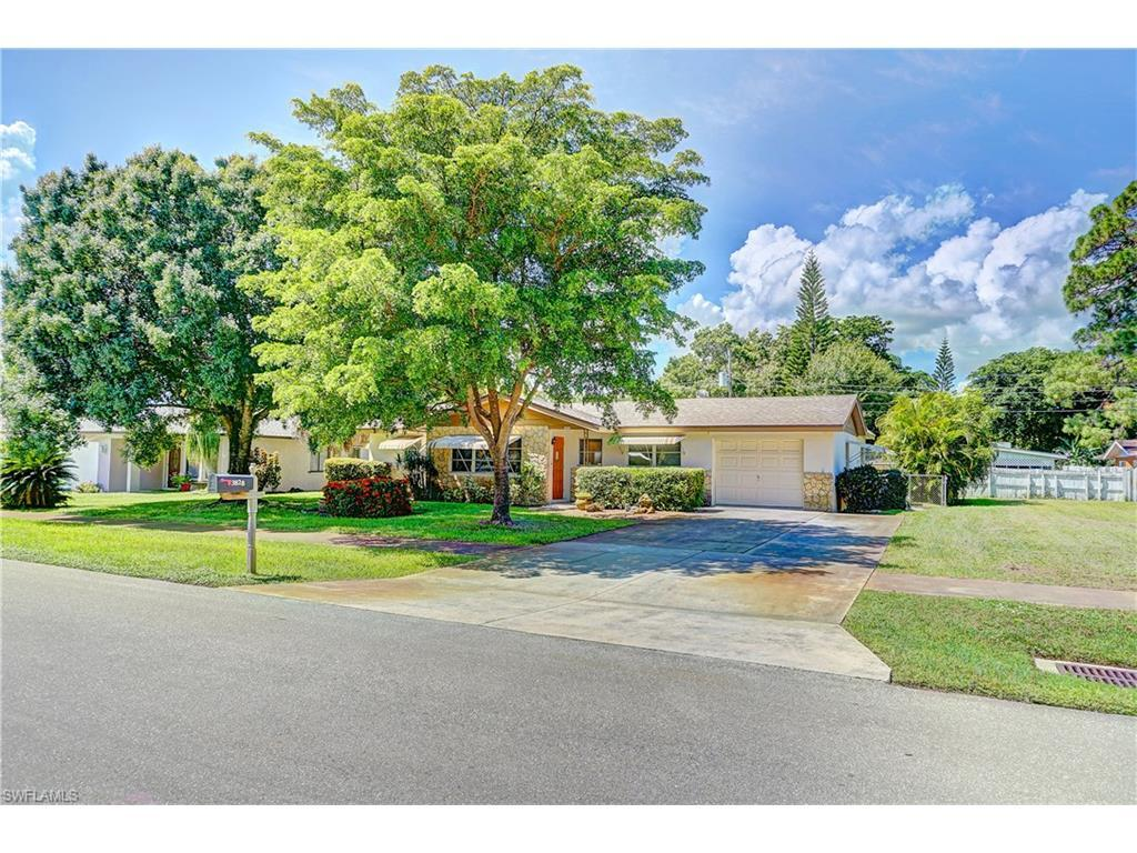 3828 Deleon St, Fort Myers, FL 33901 (#216059487) :: Homes and Land Brokers, Inc