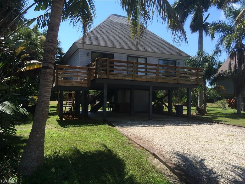 7433 Pomegranate Dr, Bokeelia, FL 33922 (#216059612) :: Homes and Land Brokers, Inc