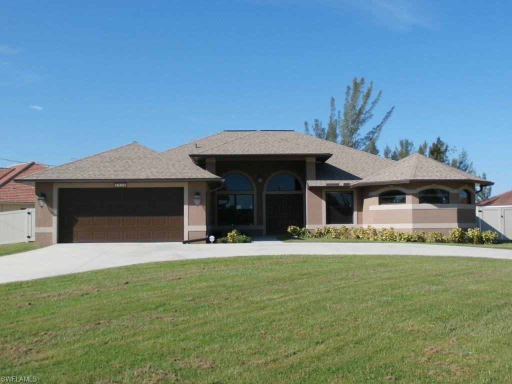 1718 SW 30th Ter, Cape Coral, FL 33914 (MLS #216059758) :: The New Home Spot, Inc.