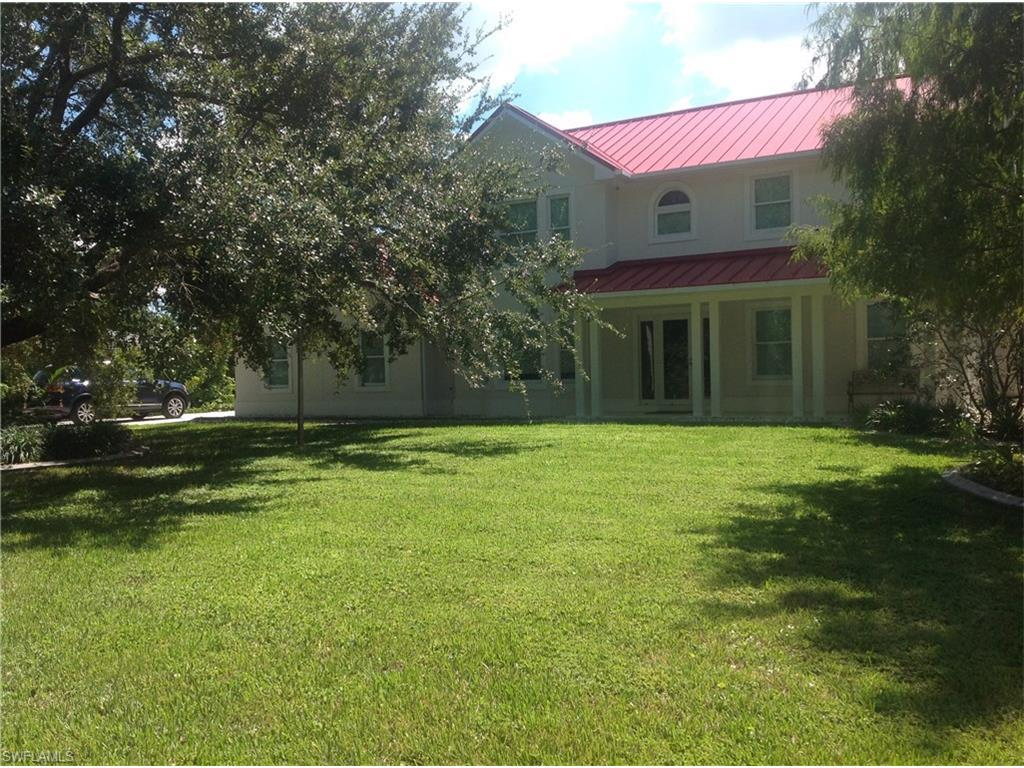 5625 Shaddelee Ln W, Fort Myers, FL 33919 (MLS #216059883) :: The New Home Spot, Inc.