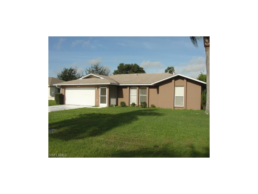 708 SE 11th Pl, Cape Coral, FL 33990 (#216059935) :: Homes and Land Brokers, Inc