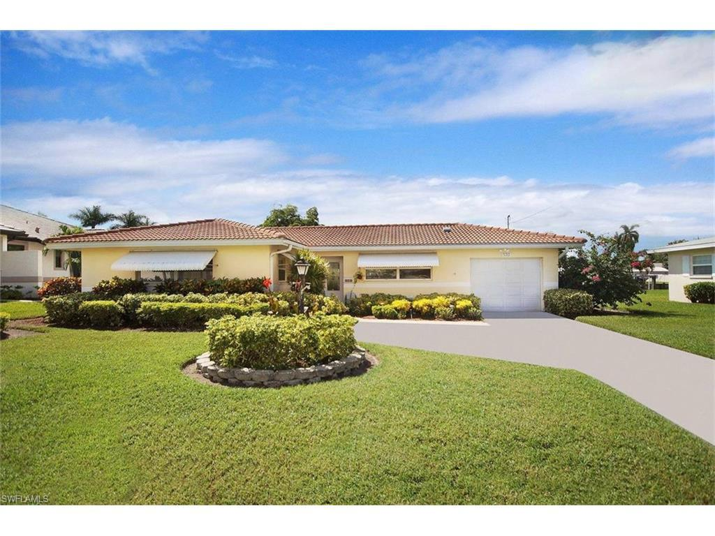 5312 Mayfair Ct, Cape Coral, FL 33904 (MLS #216060029) :: The New Home Spot, Inc.