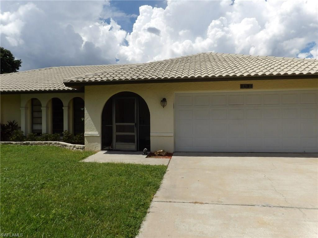 1498 Beechwood Trl, Fort Myers, FL 33919 (#216060089) :: Homes and Land Brokers, Inc