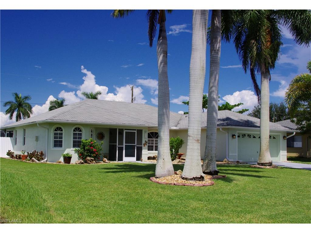 425 SE 19th Ln, Cape Coral, FL 33990 (#216060114) :: Homes and Land Brokers, Inc