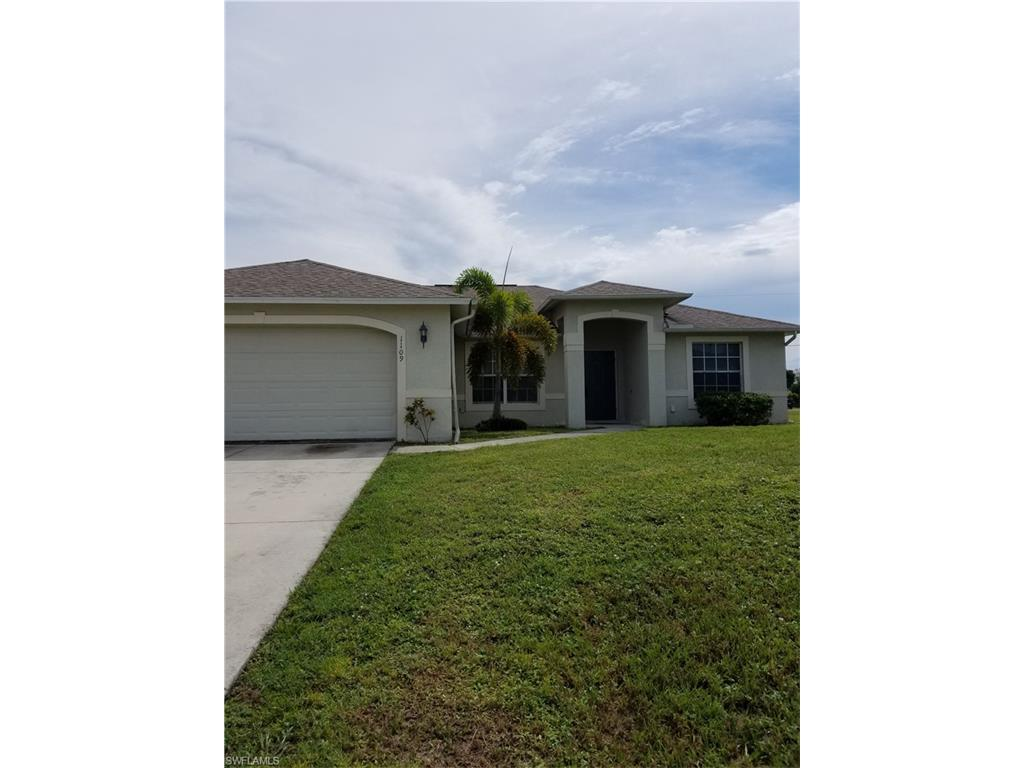 1109 NE 6th Pl, Cape Coral, FL 33909 (#216060269) :: Homes and Land Brokers, Inc
