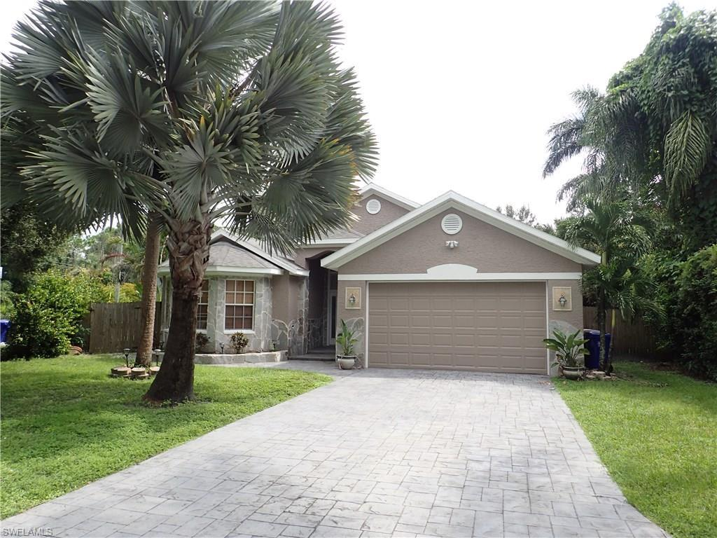 4674 Siesta Cir, Fort Myers, FL 33901 (MLS #216060340) :: The New Home Spot, Inc.