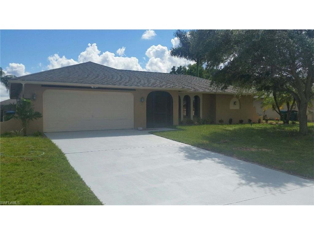 1917 SE 5th Ct, Cape Coral, FL 33990 (MLS #216060369) :: The New Home Spot, Inc.