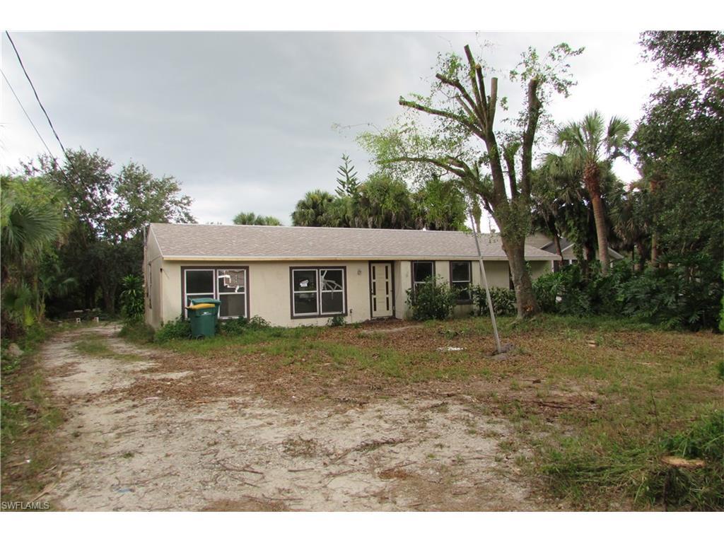 3030 White Blvd, Naples, FL 34117 (MLS #216060449) :: The New Home Spot, Inc.