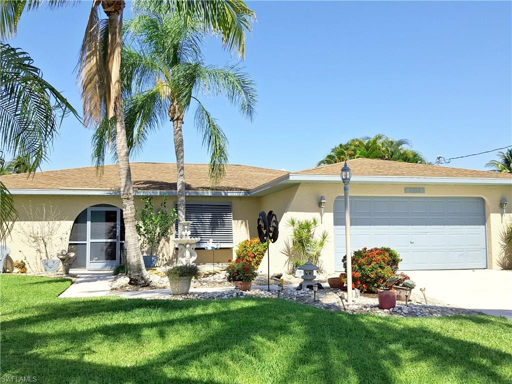 4924 SW 9th Pl, Cape Coral, FL 33914 (#216060510) :: Homes and Land Brokers, Inc