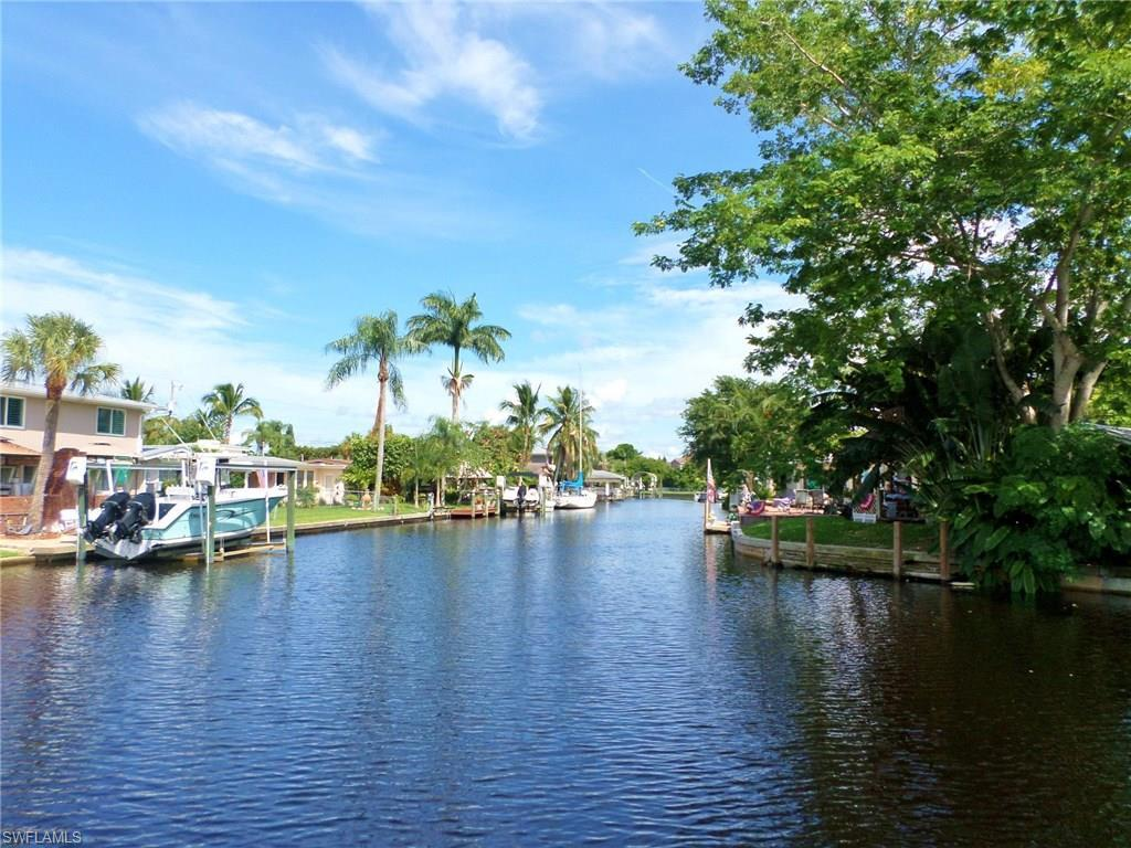 1156 Harbor Dr, North Fort Myers, FL 33917 (MLS #216060517) :: The New Home Spot, Inc.