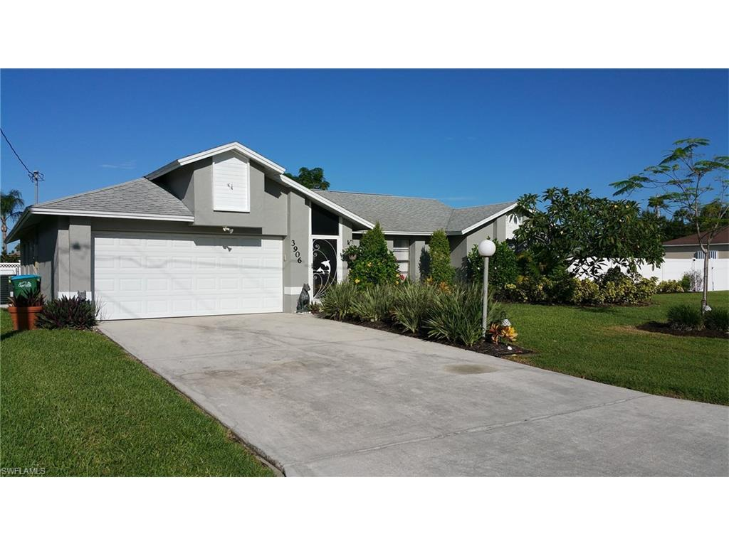 3906 SW 3rd Ave, Cape Coral, FL 33914 (MLS #216060620) :: The New Home Spot, Inc.