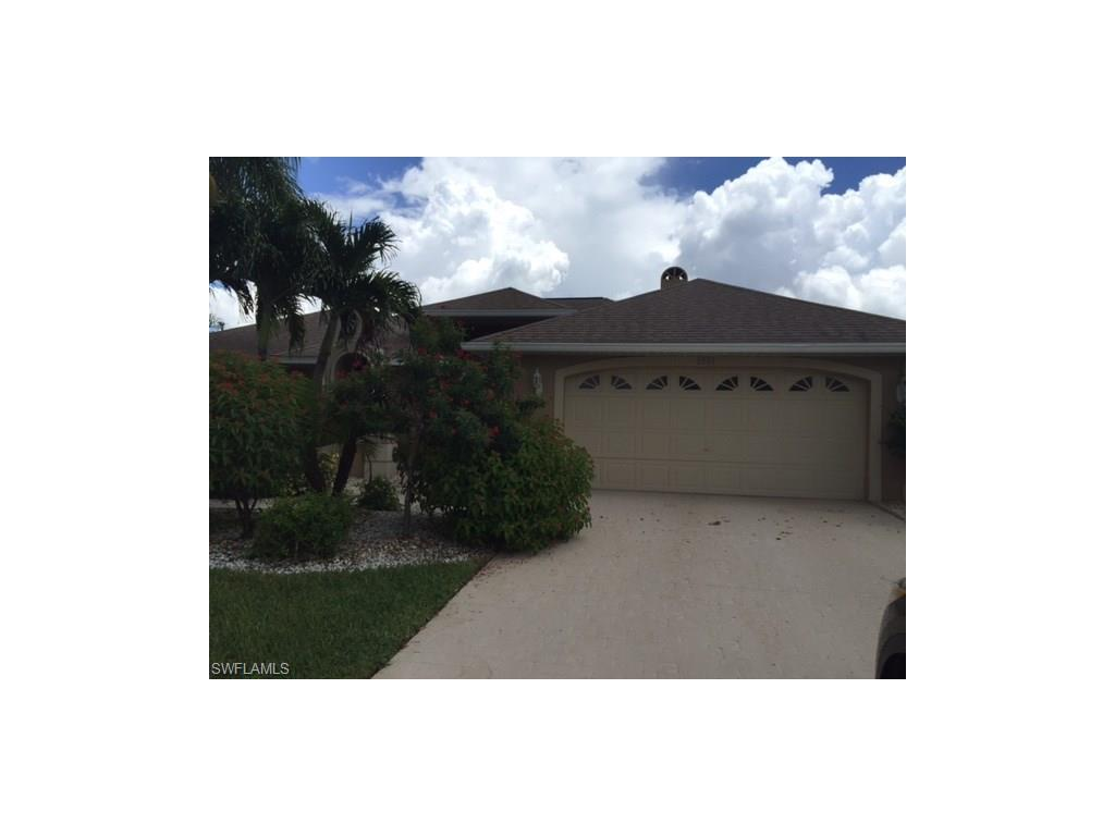 2821 SE 10th Ave, Cape Coral, FL 33904 (#216060740) :: Homes and Land Brokers, Inc