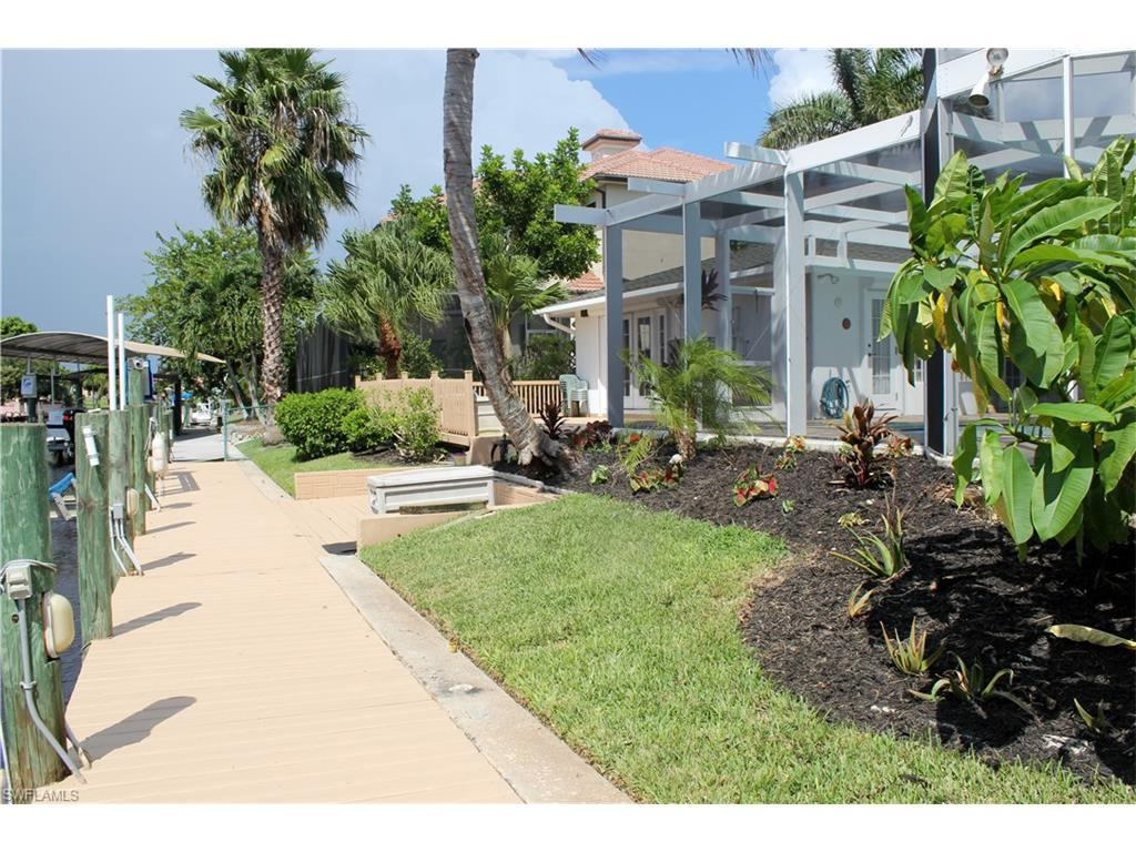 5242 Nautilus Dr, Cape Coral, FL 33904 (MLS #216060875) :: The New Home Spot, Inc.