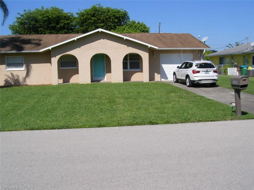 3606 SE 2nd Ave, Cape Coral, FL 33904 (#216061001) :: Homes and Land Brokers, Inc
