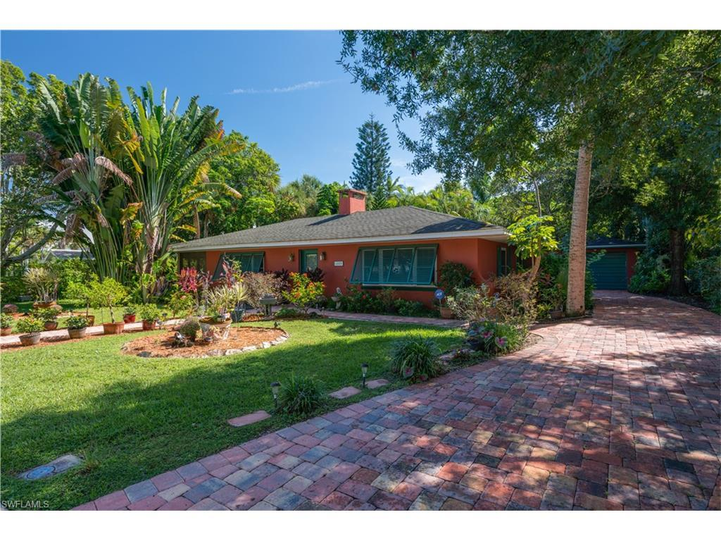 6009 Fountain Way, Fort Myers, FL 33919 (MLS #216061022) :: The New Home Spot, Inc.