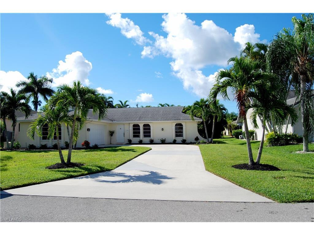 1220 SW 54th Ln, Cape Coral, FL 33914 (#216061108) :: Homes and Land Brokers, Inc