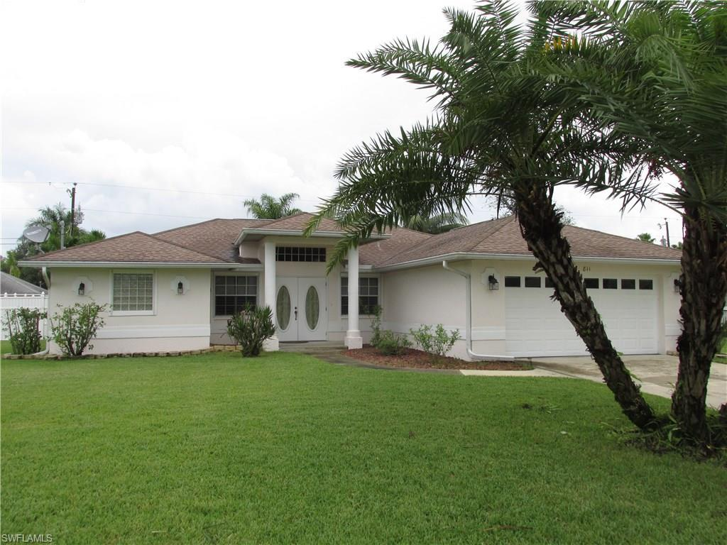 811 Nicholas Pky W, Cape Coral, FL 33991 (#216061203) :: Homes and Land Brokers, Inc