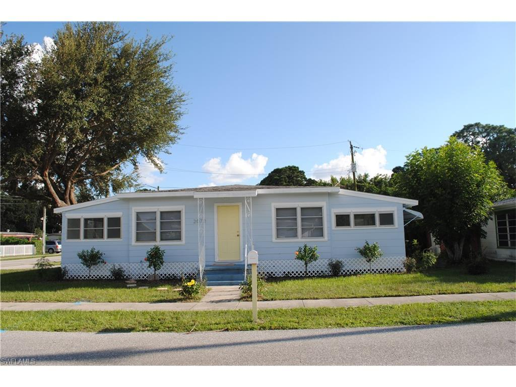 2072 Maple Ave, Fort Myers, FL 33901 (MLS #216061457) :: The New Home Spot, Inc.
