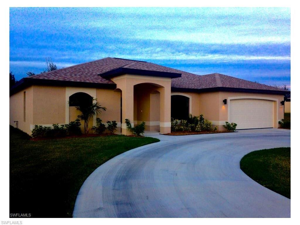 1137 SW Trafalgar Pky, Cape Coral, FL 33991 (MLS #216061674) :: The New Home Spot, Inc.