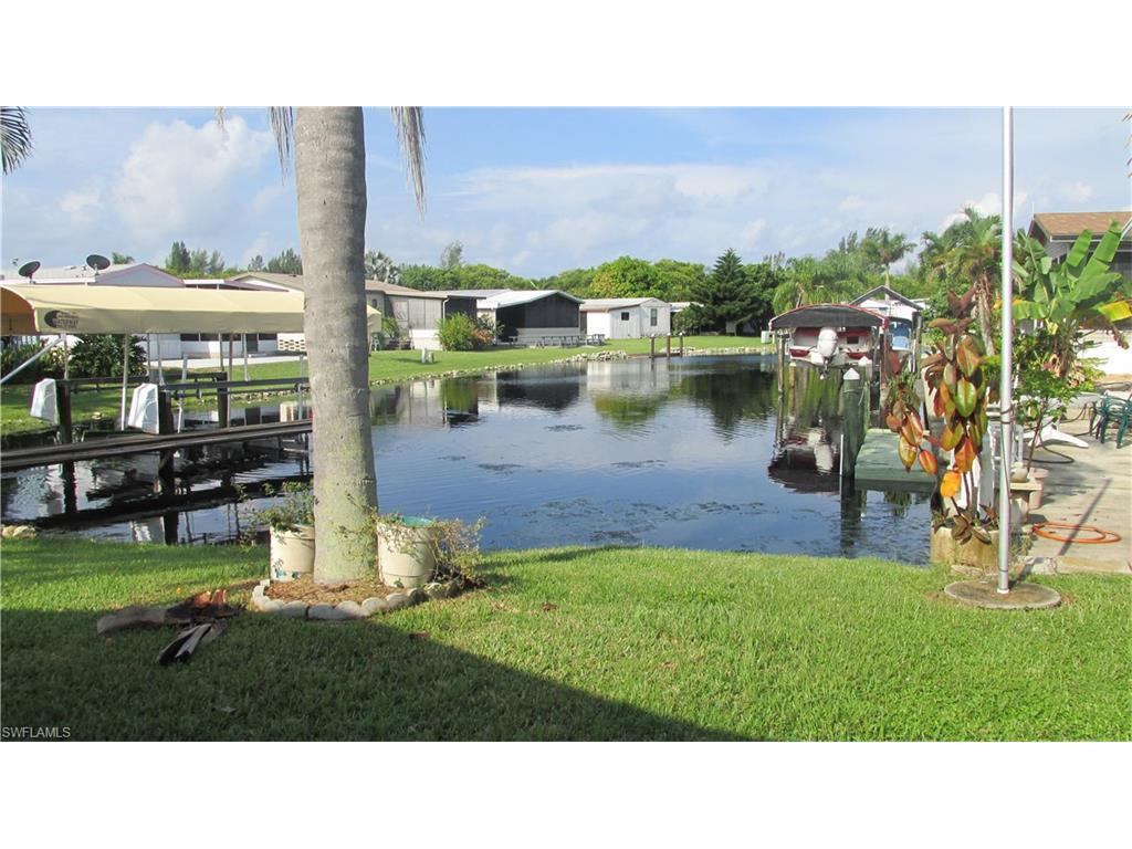 7145 Ladyfish Dr, St. James City, FL 33956 (#216061702) :: Homes and Land Brokers, Inc