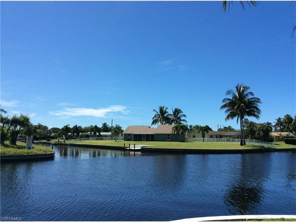 5211 Willow Ct, Cape Coral, FL 33904 (#216061737) :: Homes and Land Brokers, Inc