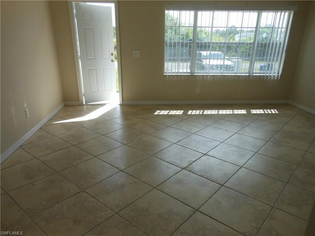 1018 Manikin Ave S, Lehigh Acres, FL 33974 (MLS #216061800) :: The New Home Spot, Inc.