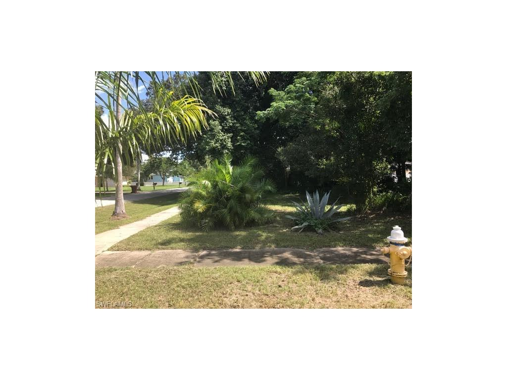 1466 S Grove Ave, Fort Myers, FL 33901 (#216061834) :: Homes and Land Brokers, Inc