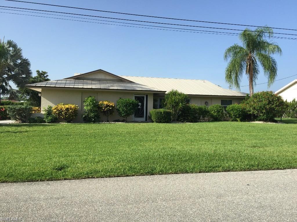 1750 SE 46th St, Cape Coral, FL 33904 (MLS #216061870) :: The New Home Spot, Inc.