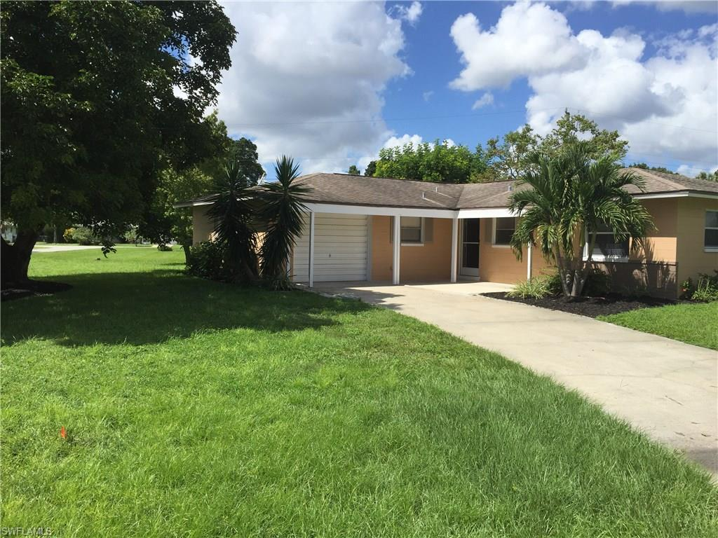 8949 Chatham St, Fort Myers, FL 33907 (MLS #216061939) :: The New Home Spot, Inc.
