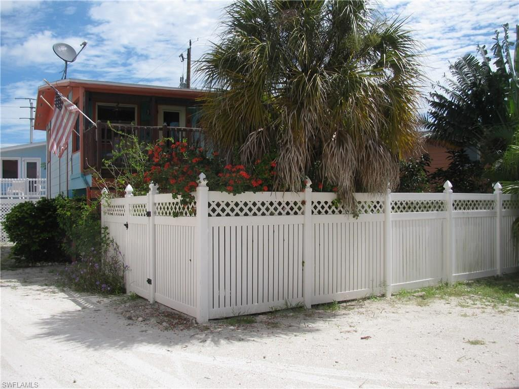 434 Estero Blvd, Fort Myers Beach, FL 33931 (#216062019) :: Homes and Land Brokers, Inc