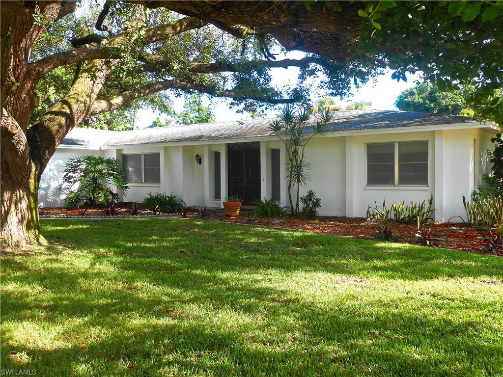1704 Saint Clair Ave E, North Fort Myers, FL 33903 (MLS #216062148) :: The New Home Spot, Inc.