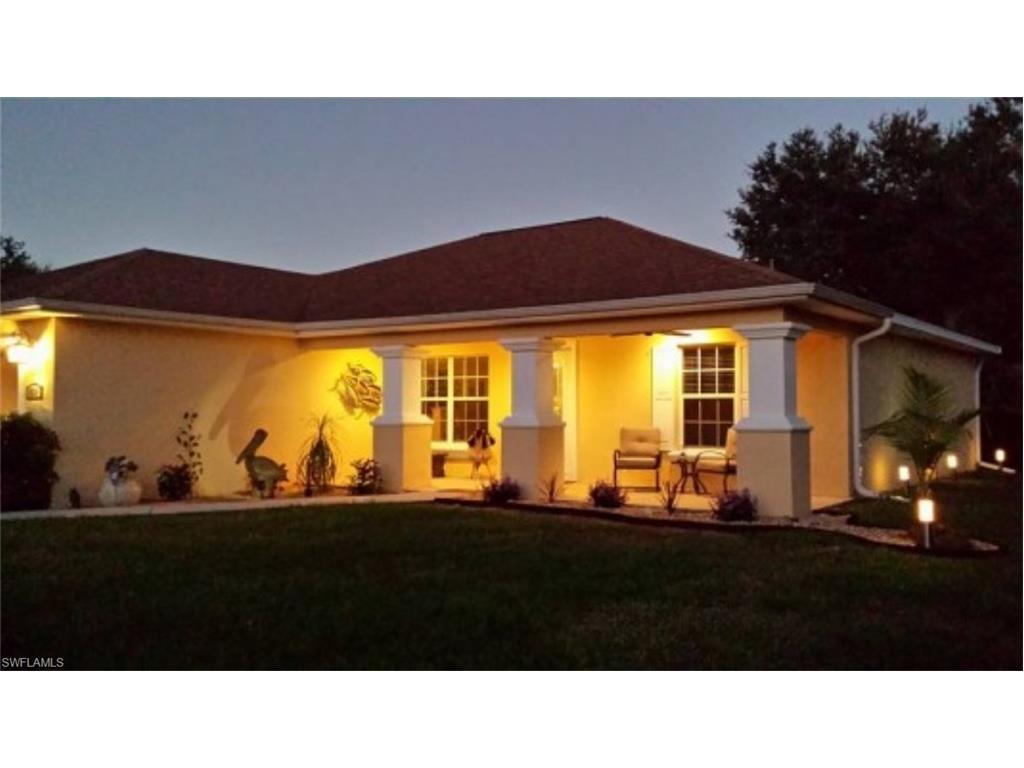 131 Mcarthur Blvd, Lehigh Acres, FL 33974 (#216062256) :: Homes and Land Brokers, Inc