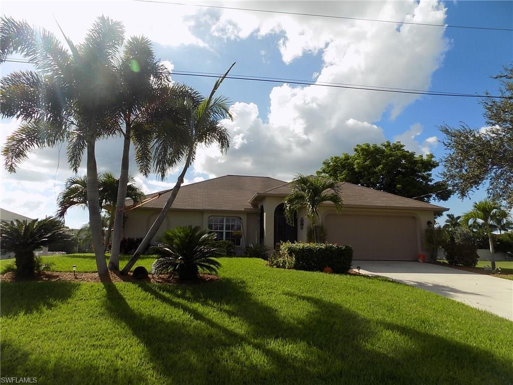 1502 SW 19th Pl, Cape Coral, FL 33991 (MLS #216062301) :: The New Home Spot, Inc.