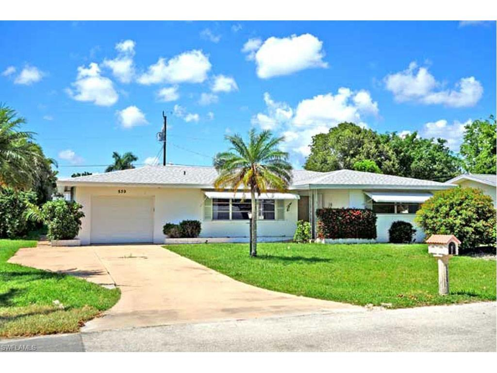 539 Coral Dr, Cape Coral, FL 33904 (#216062371) :: Homes and Land Brokers, Inc