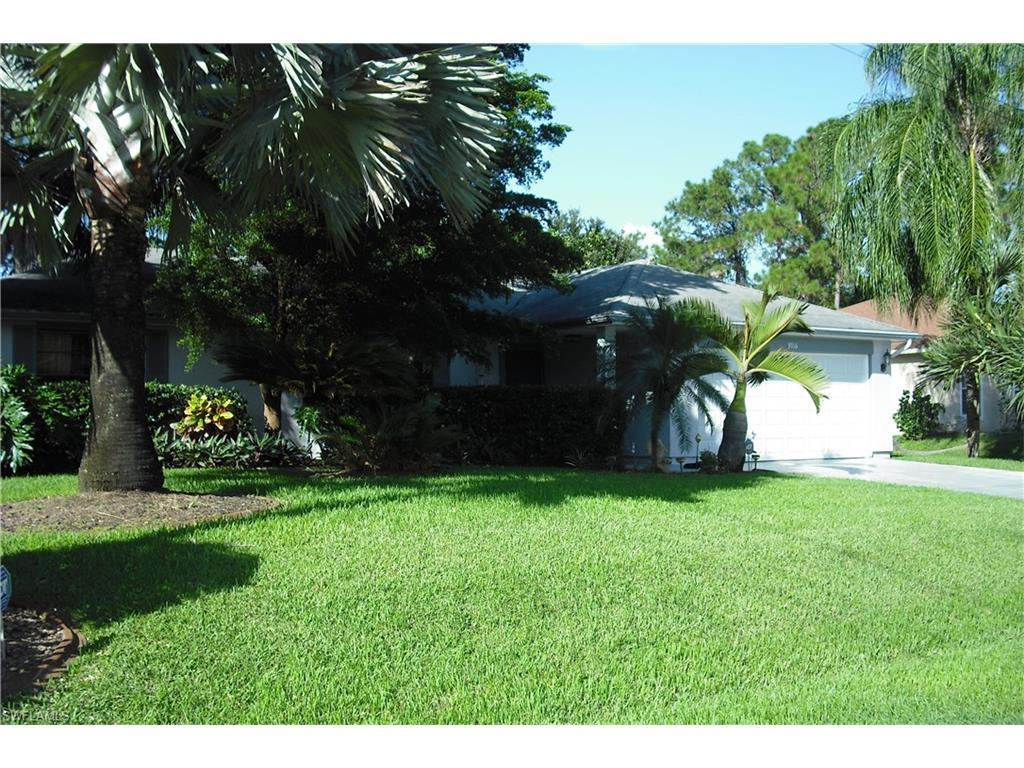 3916 3rd St W, Lehigh Acres, FL 33971 (MLS #216062406) :: The New Home Spot, Inc.