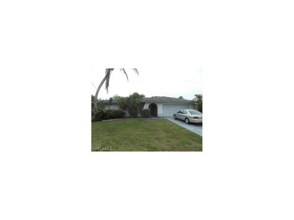 926 SE 26th Ter, Cape Coral, FL 33904 (#216062496) :: Homes and Land Brokers, Inc