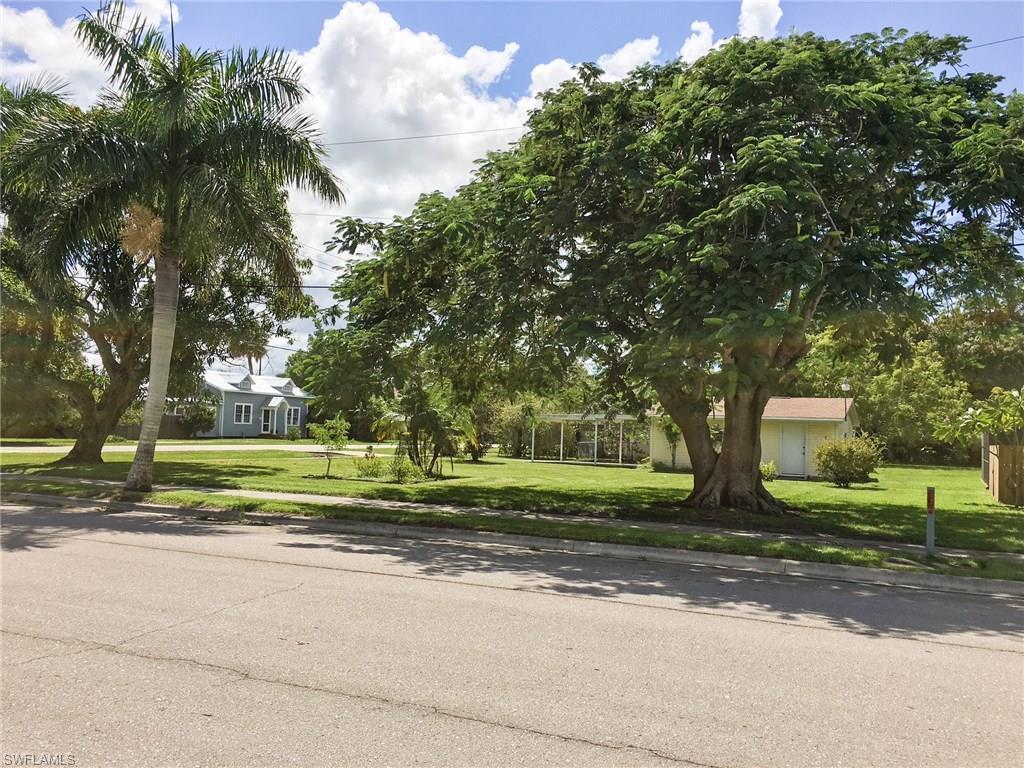 327 Harvey St, Punta Gorda, FL 33950 (#216062548) :: Homes and Land Brokers, Inc