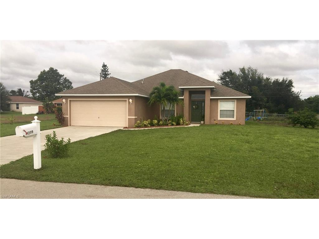 1209 NE 9th St, Cape Coral, FL 33909 (#216062704) :: Homes and Land Brokers, Inc
