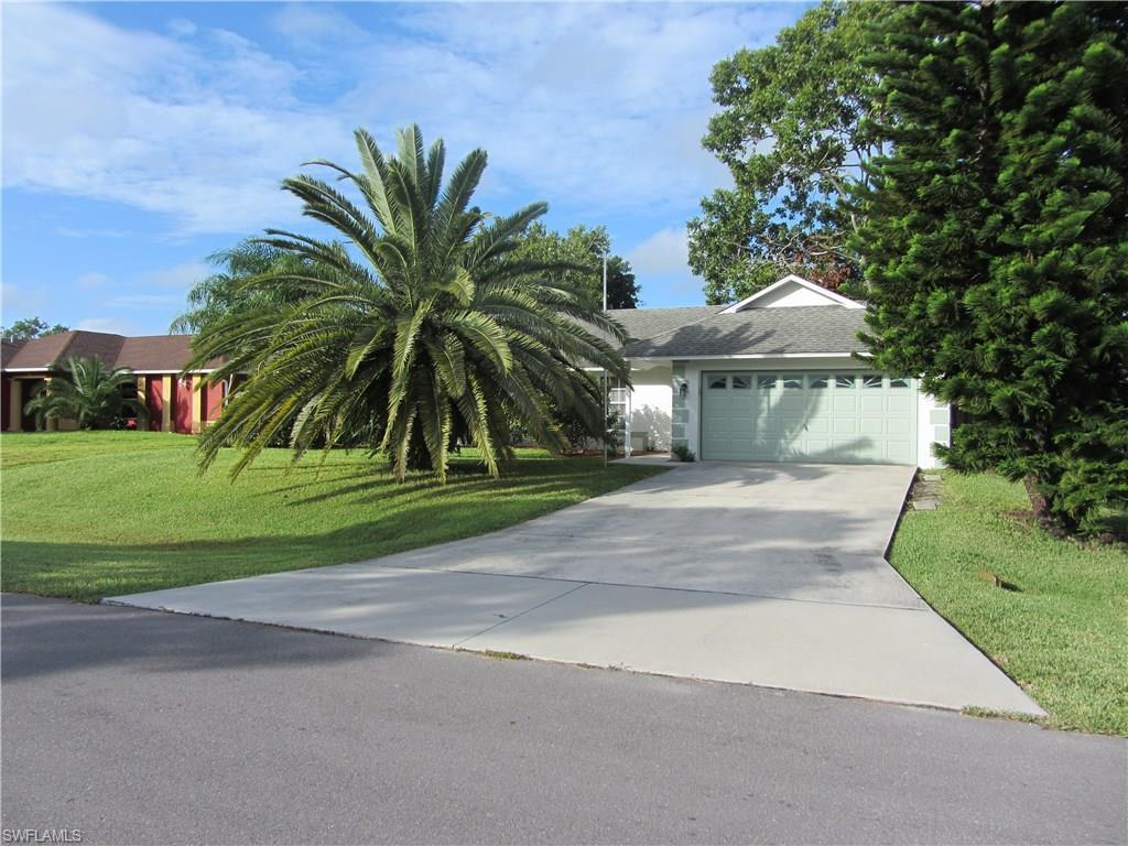 604 SW 9th Ct, Cape Coral, FL 33991 (#216062917) :: Homes and Land Brokers, Inc
