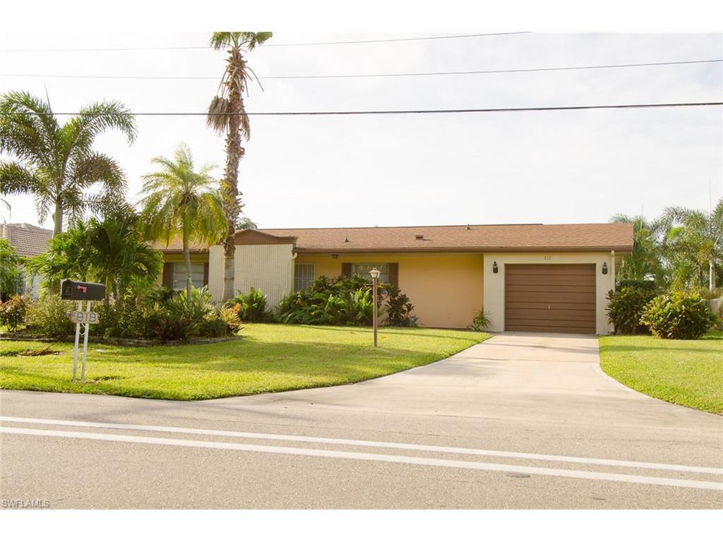 818 El Dorado Pky E, Cape Coral, FL 33904 (#216062976) :: Homes and Land Brokers, Inc