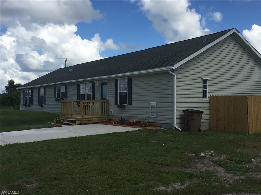 1101 Olive Ave S, Lehigh Acres, FL 33976 (MLS #216063040) :: The New Home Spot, Inc.