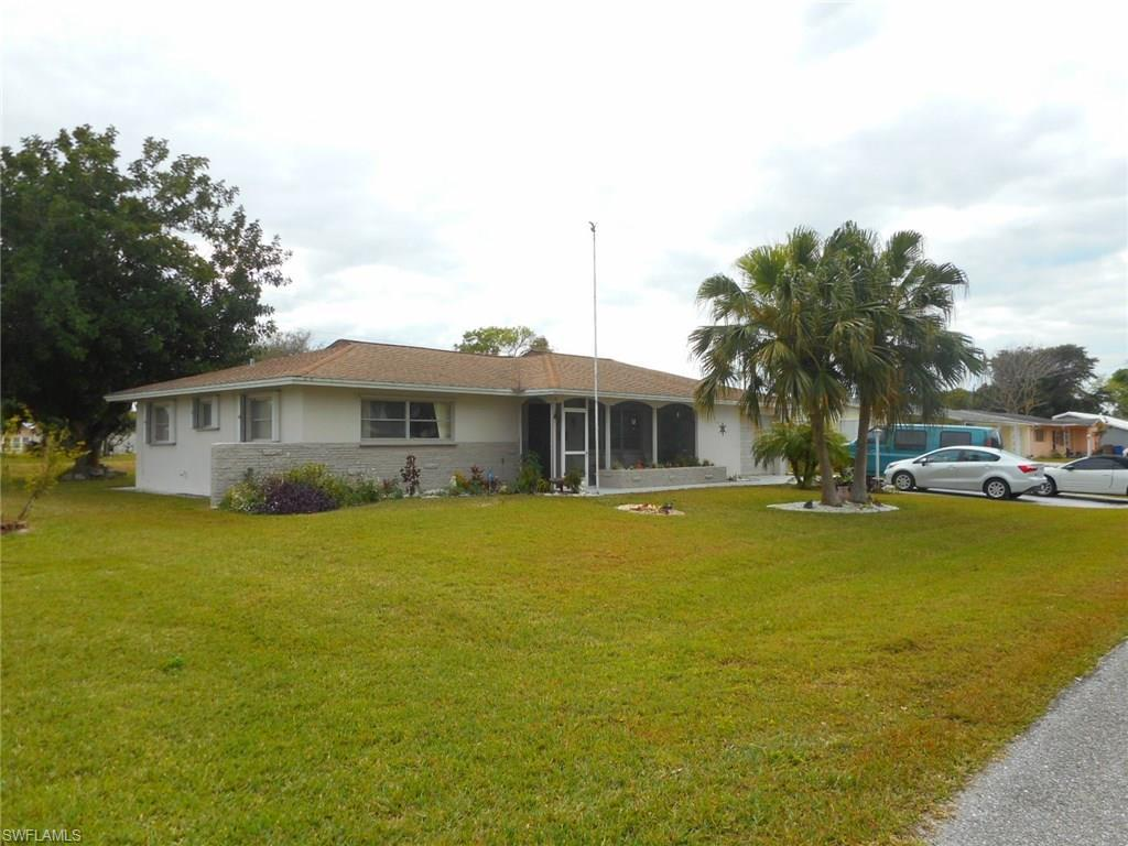 900 Monet St, Lehigh Acres, FL 33936 (#216063073) :: Homes and Land Brokers, Inc