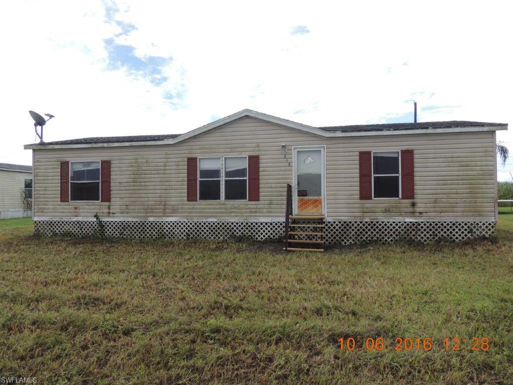 712 Arkansas Ave, Clewiston, FL 33440 (MLS #216063093) :: The New Home Spot, Inc.