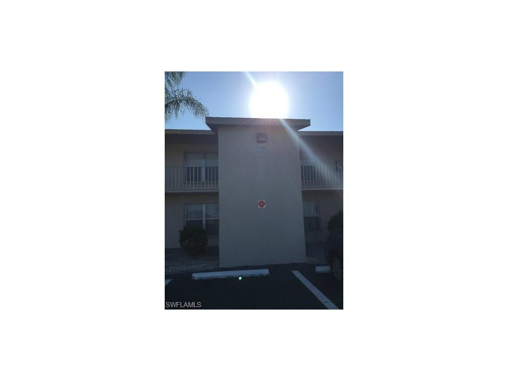 3705 Country Club Blvd #9, Cape Coral, FL 33904 (MLS #216063186) :: The New Home Spot, Inc.