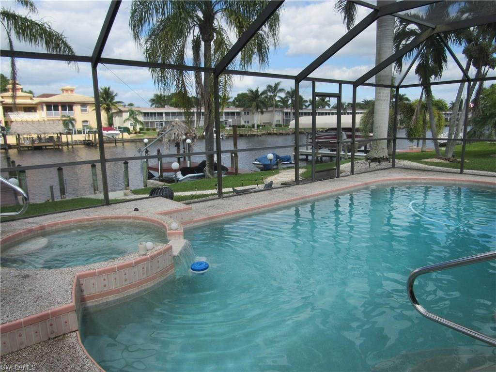 1721 SE 43rd St, Cape Coral, FL 33904 (MLS #216063357) :: The New Home Spot, Inc.